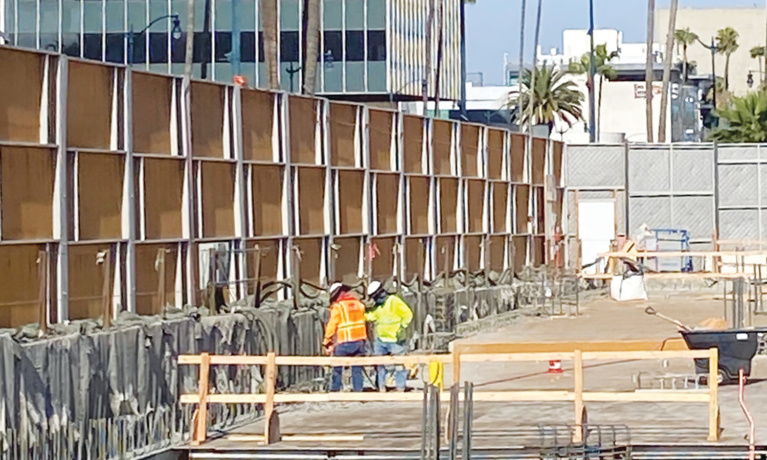 Metro Purple Line Continues to Make Progress Through  Beverly Hills