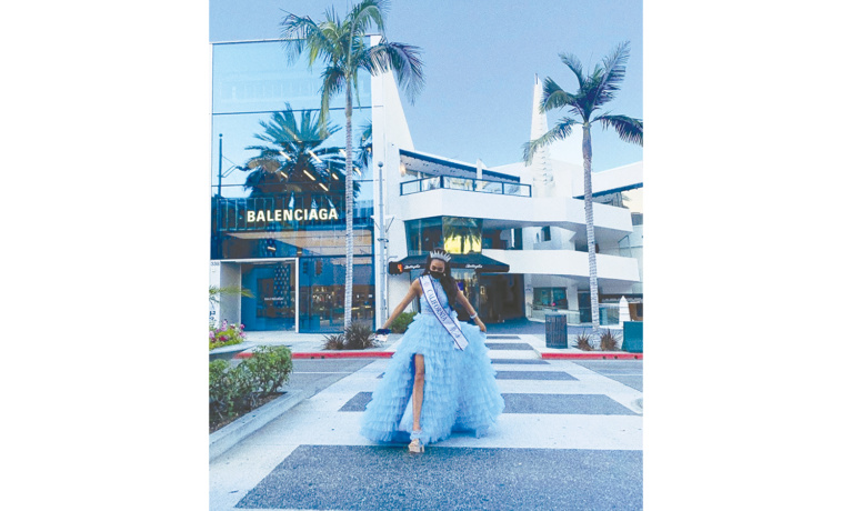 Beverly Hills High  Student Wins  Beauty Pageant